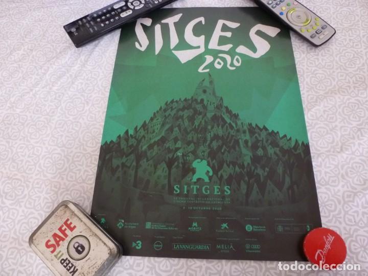 POSTER ORIGINAL(30 CM X 42 CM) 53 FESTIVAL DE CINE FANTASTICO Y TERROR DE SITGES 2020 (Cine - Posters y Carteles - Terror)