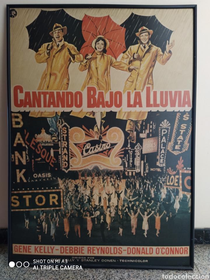 CARTEL CANTANDO BAJO LA LLUVIA IMPRESO EN MADERA (Cine - Posters y Carteles - Musicales)