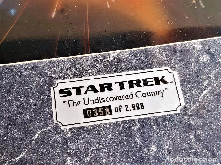 Cine: STAR TREK PINTURA HOLOGRAFICA CHROMART NUMERADA Y FIRMADA + CERTIFICADO PARAMUNT - 28X37.CM TOTAL - Foto 4 - 223994016