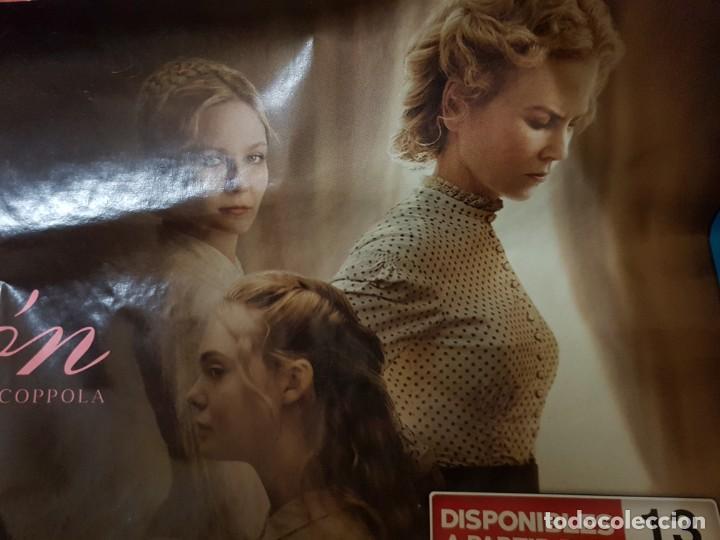 Cine: Cartel Apaisado Original Videoclub. La Seducción con Nicole Kidman y Kirsten Dunst. Mide 32 x 68 - Foto 2 - 224783645