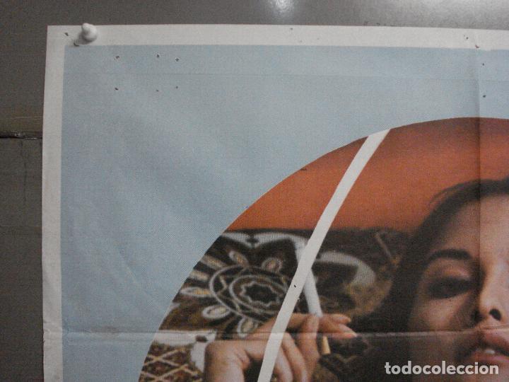 Cine: CDO 7077 EMANUELLE ALREDEDOR DEL MUNDO JOE DAMATO LAURA GEMSER POSTER ORIGINAL ESTRENO 70X100 - Foto 2 - 225313665