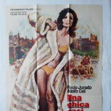 Cine: ANTIGUO CARTEL CINE UNA CHICA CASI DECENTE ROCIO JURADO 1971 MAC R149. Lote 225346785