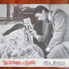 Cine: AFICHE DE EXPOSICIÓN VACACIONES EN ROMA - LOBBY CARD ROME HOLIDAYS. Lote 145831810