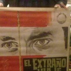 Cinema: EL EXTRAÑO VIAJE CARTEL ORIGINAL DE LA EPOCA-CARLOS LARRAÑAGA-JESUS FRANCO-DIRECTOR FERNANDO FERNAN. Lote 267649084