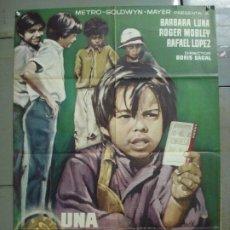 Cine: CDO 7568 UNA MONEDA CON AUREOLA BORIS SAGAL CARRERAS DE CABALLOS BARBARA LUNA POSTER ORIG 70X100. Lote 228926100