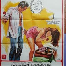Cinema: CARTEL CINE UN TOQUE DE DISTINCION OSCAR A LA MEJOR ACTRIZ GLENDA JACKSON ILUSTRA JANO A 179. Lote 230746045
