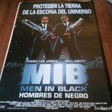 Cine: MEN IN BLACK - TOMMY LEE JONES, WILL SMITH, LINDA FIORENTINO - POSTER ORIGINAL COLUMBIA AÑO 1997. Lote 235115980