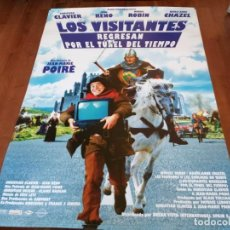 Cine: LOS VISITANTES REGRESAN POR EL TÚNEL DEL TIEMPO - JEAN RENO - POSTER ORIGINAL GAUMONT AÑO 1998. Lote 235130990