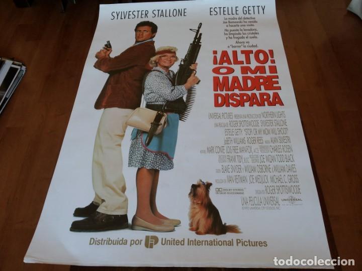 ALTO! O MI MADRE DISPARA - SYLVESTER STALLONE, ESTELLE GETTY - POSTER ORIGINAL U.I.P 1992 (Cine - Posters y Carteles - Comedia)