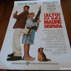 Cine: ALTO! O MI MADRE DISPARA - SYLVESTER STALLONE, ESTELLE GETTY - POSTER ORIGINAL U.I.P 1992. Lote 235428275