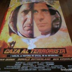 Cine: CAZA AL TERRORISTA - AIDAN QUINN, DONALD SUTHERLAND, BEN KINSLEY - POSTER ORIGINAL COLUMBIA AÑO 1997. Lote 235555750