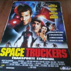Cine: SPACE TRUCKERS - DENNIS HOPPER, STEPHEN DORF, DEBI MAZAR - POSTER ORIGINAL TRIPICTURES 1996. Lote 236122235