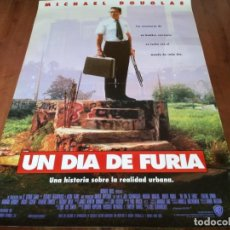 Cine: UN DÍA DE FURIA - MICHAEL DOUGLAS, ROBERT DUVALL, BARBARA HERSHEY - POSTER ORIGINAL WARNER 1993. Lote 236245280