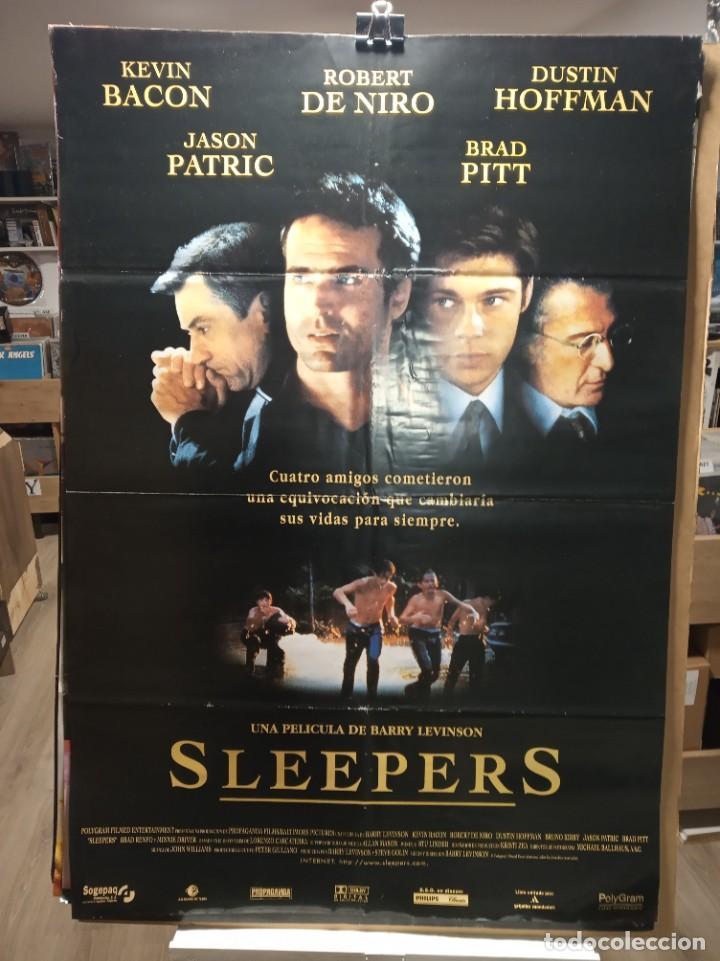 SLEEPERS - ROBERT DE NIRO - DUSTIN HOFFMAN - BRAD PITT - JASON PATRI- CARTEL DE CINE ORIGINAL 70X100 (Cine - Posters y Carteles - Suspense)