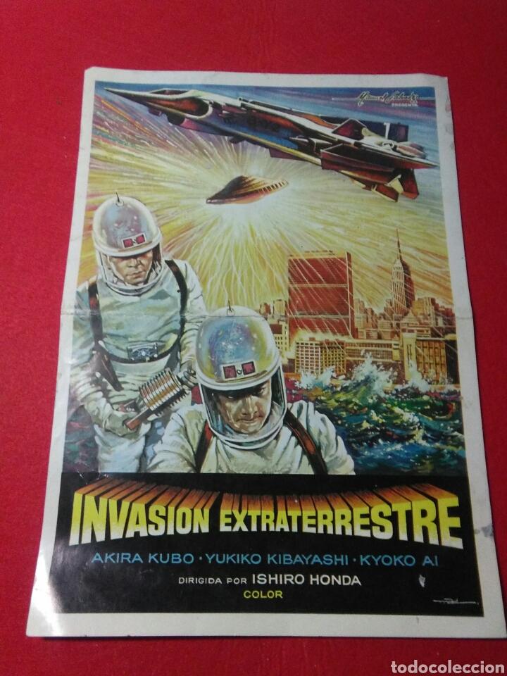 Cine: Antiguo cartel de cine ,invasion extraterrestre ,dirigida isihoro honda - Foto 2 - 236542170