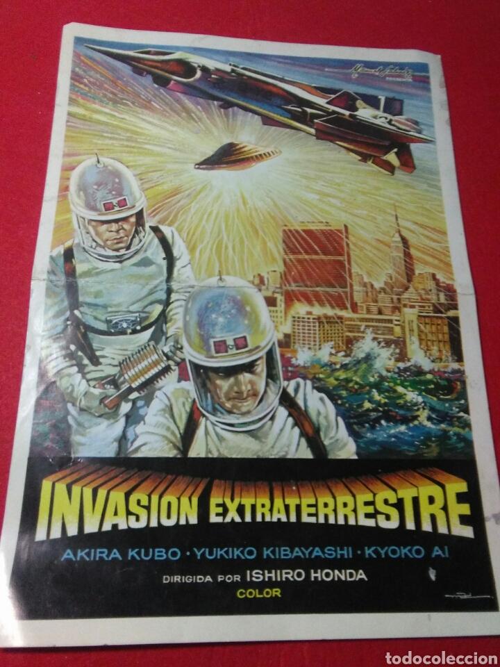 Cine: Antiguo cartel de cine ,invasion extraterrestre ,dirigida isihoro honda - Foto 5 - 236542170