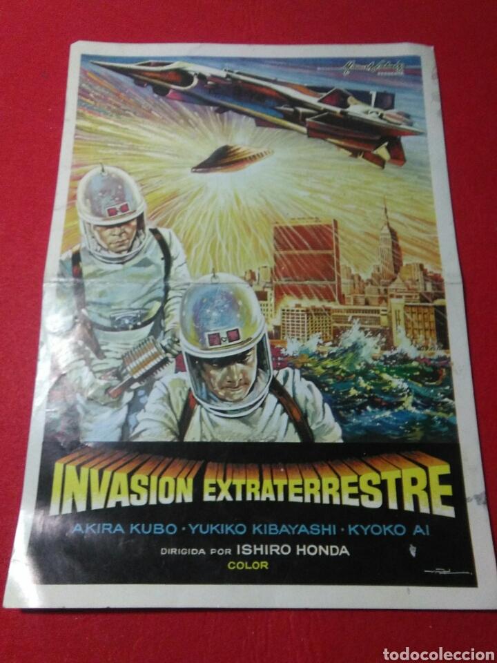 ANTIGUO CARTEL DE CINE ,INVASION EXTRATERRESTRE ,DIRIGIDA ISIHORO HONDA (Cine - Posters y Carteles - Ciencia Ficción)