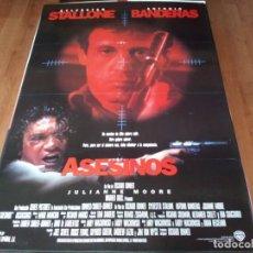 Cine: ASESINOS - ANTONIO BANDERAS, SYLVESTER STALLONE, JULIANNE MOORE - POSTER ORIGINAL WARNER 1995. Lote 236628150