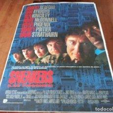 Cine: SNEAKERS LOS FISGONES - ROBERT REDFORD, MARY MCDONNELL,SIDNEY POITIER - POSTER ORIGINAL U.I.P 1992. Lote 237370490