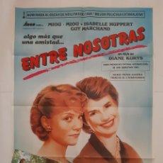 Cine: ANTIGUO CARTEL CINE ENTRE NOSOTRAS NOMINADA OSCAR 1984 + 8 FOTOCROMOS CC357 RV. Lote 237579710