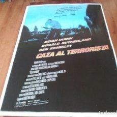 Cine: CAZA AL TERRORISTA - AIDAN QUINN, BEN KINGSLEY, DONALD SUTHERLAND - POSTER ORIGINAL COLUMBIA 1997. Lote 237927645
