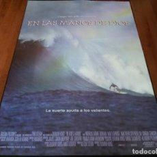 Cine: EN LAS MANOS DE DIOS - SHANE DORIAN, MATT GEORGE, SHAUN TOMSON - POSTER ORIGINAL COLUMBIA 1999 SURF. Lote 238314285