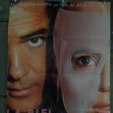 Cinema: AAV89 LA PIEL QUE HABITO PEDRO ALMODOVAR ANTONIO BANDERAS POSTER ORIGINAL ESTRENO 70X100. Lote 238802950