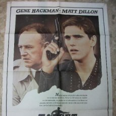 Cine: TARGET AGENTE DOBLE EN BERLIN GENE HACKMAN MATT DILLON - CARTEL DE CINE 100 X 70 CM. POSTER. Lote 211425535