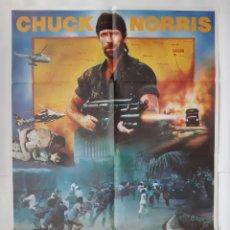 Cinema: ANTIGUO CARTEL CINE DESAPARECIDO EN COMBATE III CHUCK NORRIS 1987 R318 RV. Lote 242992315