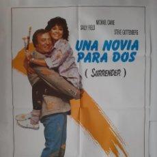 Cine: ANTIGUO CARTEL CINE UNA NOVIA PARA DOS MICHAEL CAINE 1987 R323 RV. Lote 242993735