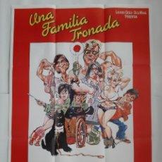 Cine: ANTIGUO CARTEL CINE UNA FAMILIA TRONADA 1987 R332 RV. Lote 242999325
