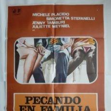 Cine: ANTIGUO CARTEL CINE PECADO EN FAMILIA 1977 R366 RV. Lote 243092655
