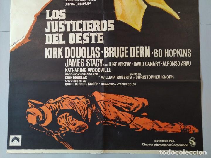 Cine: CARTEL CINE ORIGINAL - LOS JUSTICIEROS DEL OESTE - KIRK DOUGLAS - BRUCE DERN - 1975 MAC .. L3467 - Foto 4 - 245908515