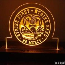 Cine: CARTEL LUMINOSO COBRA KAI LED LAMP FIGURE POSTER LAMPARA SERIE PELICULA. Lote 246114310