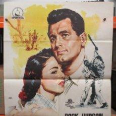 Cine: CARTEL ORIGINAL DE EPOCA - SANGRE SOBRE LA TIERRA - ROCK HUDSON 100 X 70. Lote 247158250