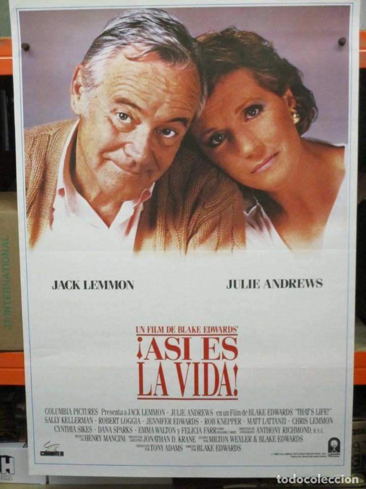 CARTEL ORIGINAL DE EPOCA - ASI ES LA VIDA - JACK LEMMON, JULIE ANDREWS - 100 X 70 (Cine - Posters y Carteles - Comedia)