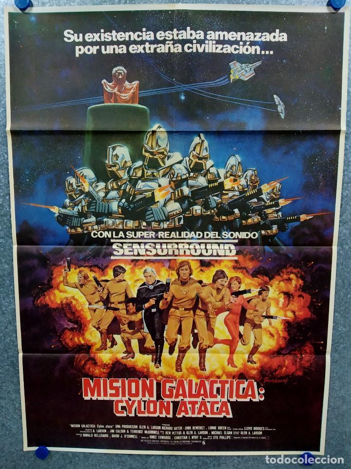 MISIÓN GALÁCTICA: CYLON ATACA. RICHARD HATCH, DIRK BENEDICT, LORNE GREENE AÑO 1979. POSTER ORIGINAL (Cine - Posters y Carteles - Ciencia Ficción)