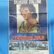 "Cine: GRAN CARTEL ORIGINAL DE CINE - PELÍCULA ""ACORRALADO"" - SYLVESTER STALLONE - MARIO KASSAR - 1982. Lote 254352290"