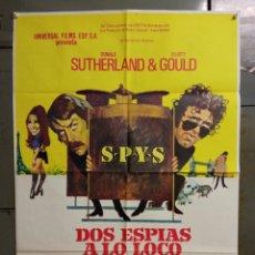 Cine: CDO K192 DOS ESPIAS A LO LOCO ELLIOTT GOULD DONALD SUTHERLAND POSTER ORIGINAL ESTRENO. Lote 254577885