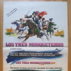Cine: CARTEL CINE LOS TRES MOSQUETEROS OLIVER REED RAQUEL WELCH 1973 C1978. Lote 259818035