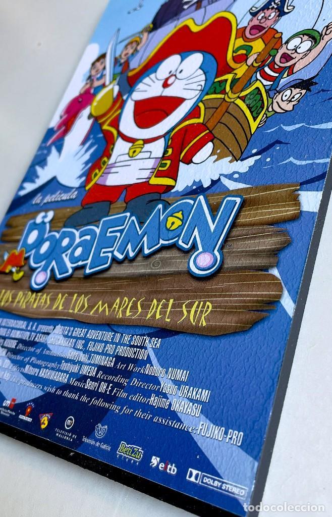 Cine: Cuadro guía cine Doraemon - Y los piratas de los mares del sur. Hecho en madera 21x30 cm. Muy Raro. - Foto 3 - 259967215