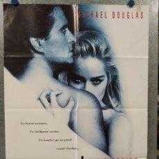 Cine: INSTINTO BÁSICO. MICHAEL DOUGLAS, SHARON STONE. AÑO 1992. POSTER ORIGINAL. Lote 260688675