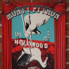 Cine: MONTY PYTHON - LIVE AT THE HOLLYWOOD BOWL (POSTER 32X45). Lote 261361720