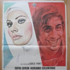 Cine: CARTEL CINE BLANCO ROJO Y ... SOFIA LOREN ADRIANO CELENTANO JANO 1972 C2068. Lote 263666305