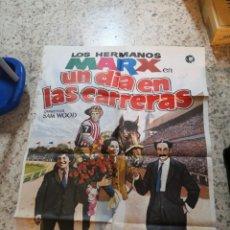 Cine: CARTEL PELÍCULA LOS HERMANOS MARX UN DÍA EN LAS CARRERAS. SAM WOOD. Lote 264174232