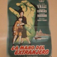 Cine: LA MANO DEL EXTRANJERO - POSTER ORIGINAL 100X70. Lote 266964739