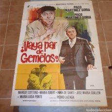 Cine: CARTEL ORIGINAL DE ¡VAYA PAR DE GEMELOS!, 1977, 100 X 70 CM, PACO MARTÍNEZ SORIA, PLEGADO.. Lote 270249938