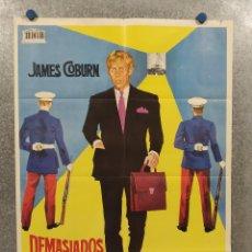 Cine: DEMASIADOS SECRETOS PARA UN HOMBRE SOLO. JAMES COBURN, GODFREY CAMBRIDGE. AÑO 1968. POSTER ORIGINAL. Lote 271118198