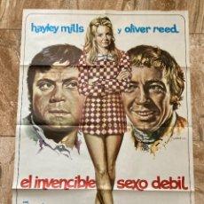 Cine: CARTEL CINE ORIG ESTRENO EL INVENCIBLE SEXO DEBIL (1970) 70X100 / HAYLEY MILLS / OLIVER REED / MAC. Lote 277177738