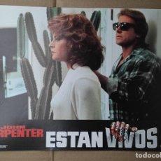 Cinema: OFERTA CARTELERA DE ESTAN VIVOS *JOHN CARPENTER, RODDY PIPER, KEITH DAVID* PERFECTO ESTADO 33X24CM. Lote 280339118